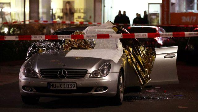 Almanya'da silahlı saldırı! 8 kişi yaşamını yitirdi, 5 kişi yaralandı
