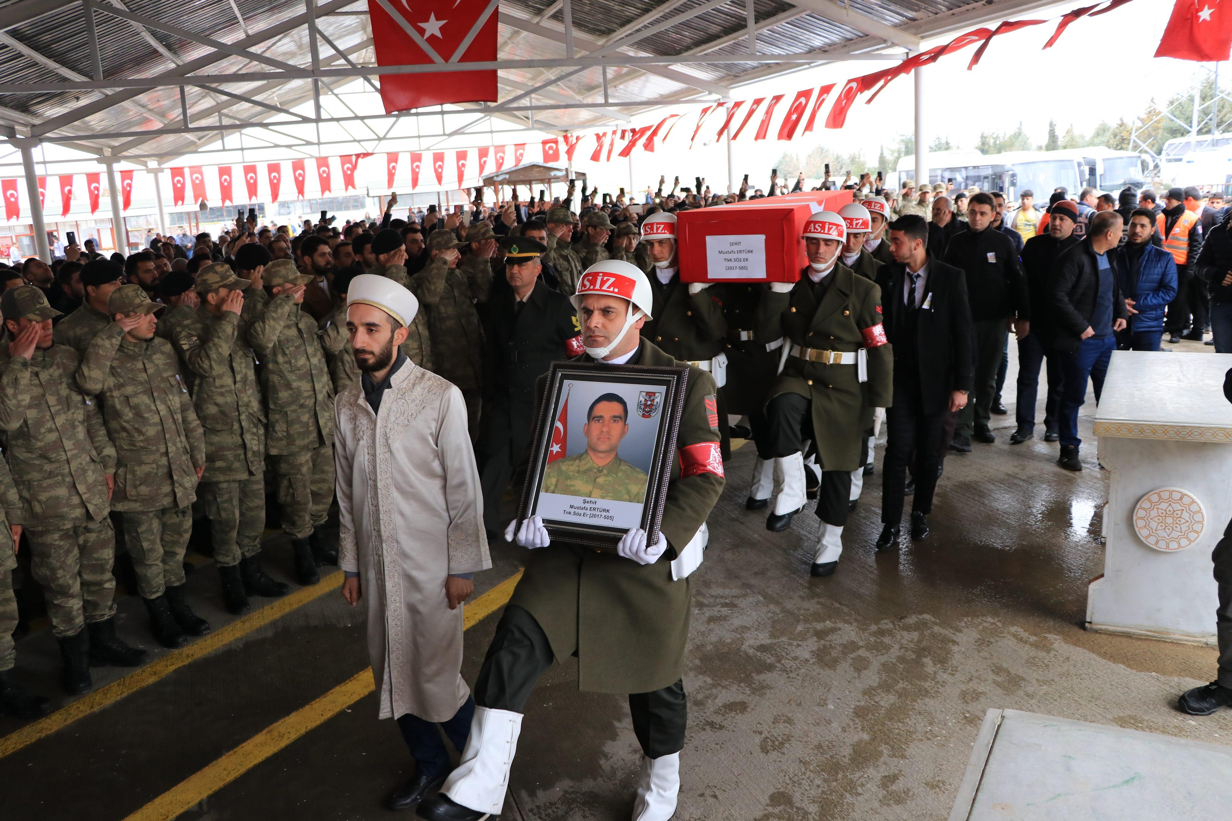 İdlib şehitleri memleketinde toprağa verildi