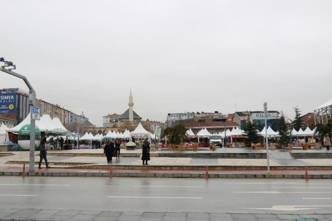 Kırşehir'de, yöresel ürünler fuarı ile şehrin takımına 300 bin lira bağış