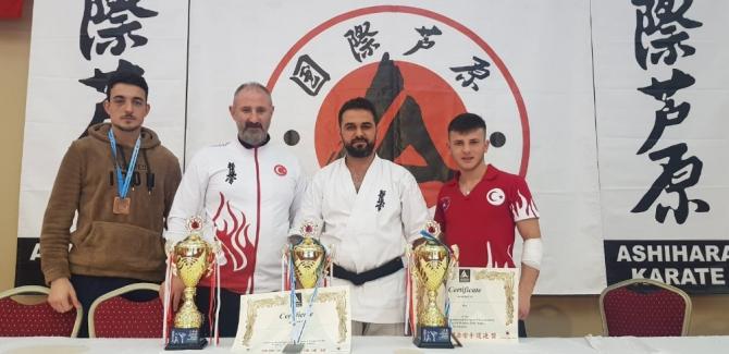 Devrekli sporcular Ashihara Karate Avrupa Şampiyonasında derece aldı