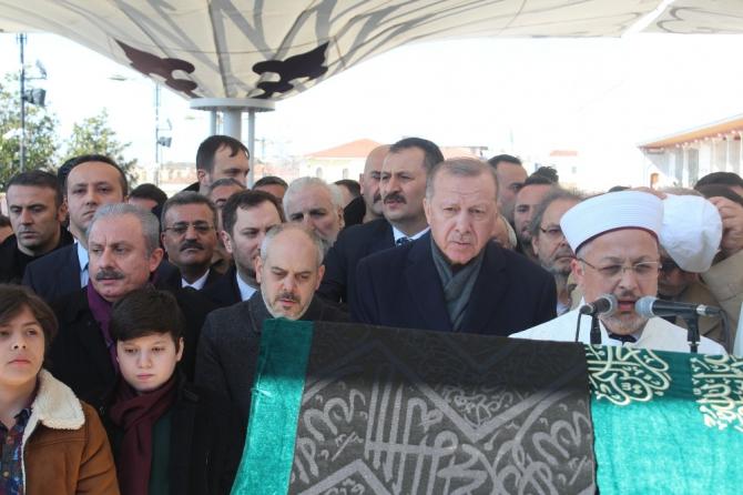 Eski Bakan Akif Çağatay Kılıç'ın babası Sinan Kılıç son yolculuğuna uğurlandı