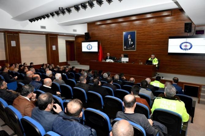 Mersin'de otobüs kazalarının önlenmesine yönelik toplantı