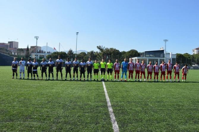Yunusemre Belediyespor, Ayvalıkgücü Belediyespor'u tek golle geçti