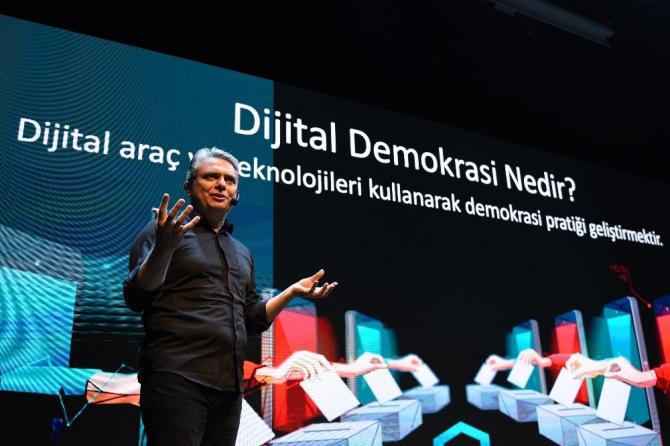 Muratpaşalılar dijital sandık başında