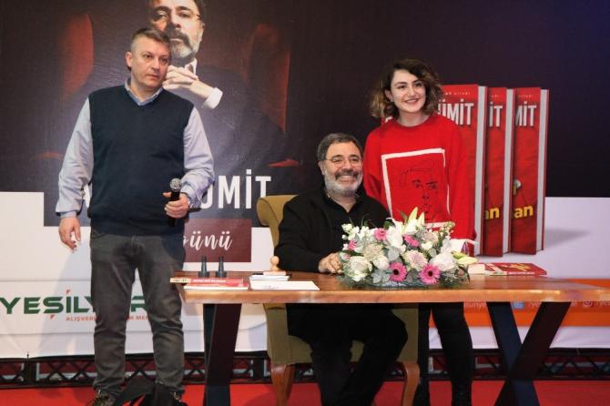 Polisiye romanların ünlü ismi Samsun'da okurlarıyla buluştu