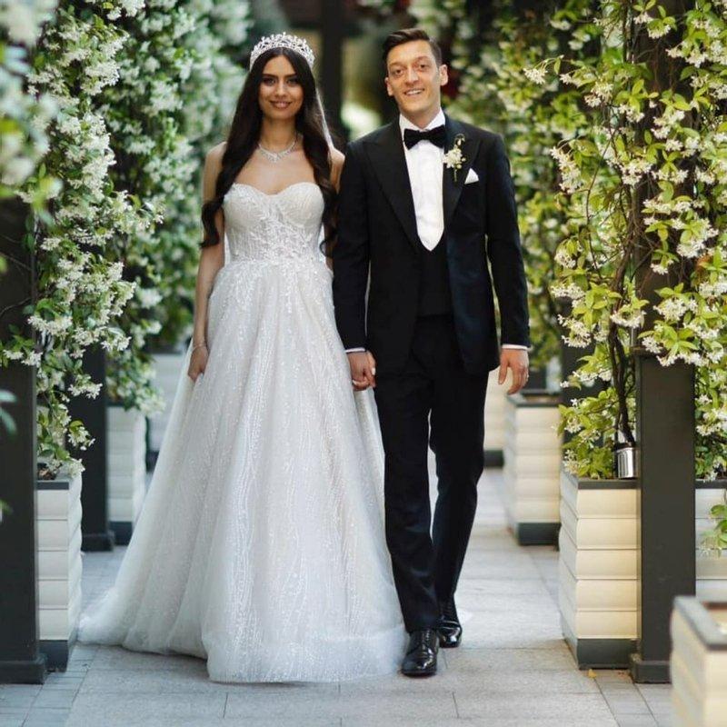 Amine Gülşe ve Mesut Özil'in bebeklerinin cinsiyeti belli oldu