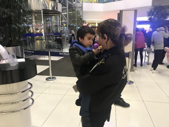 Bursa'da çocuğunu AVM'ye bırakıp kaçan anneye hapis