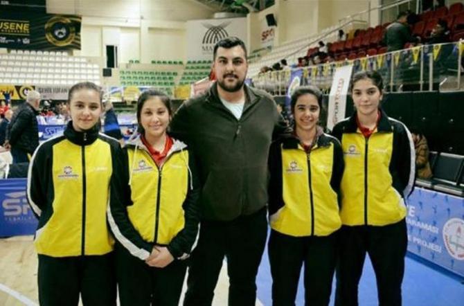 Kayseri'nin gururu Kocasinan'ın Masa Tenisi Takımı yine lider oldu