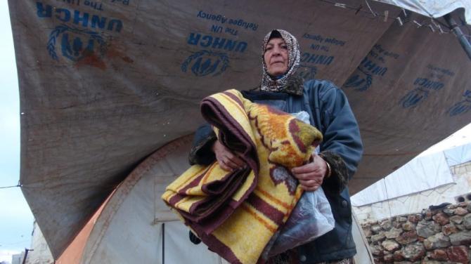 İdlib kırsalına insani yardım