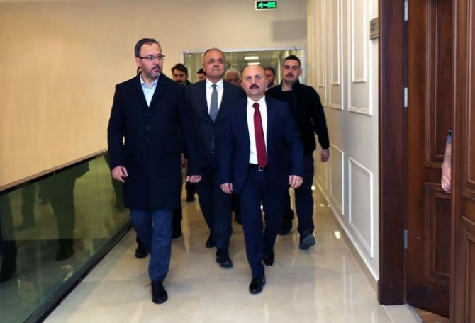 Kasapoğlu, Üçok'tan yatırımları hakkında bilgi aldı