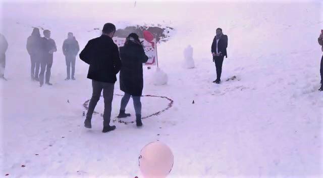 Kelltepe Kayak Merkezi'nde sürpriz evlilik teklifleri