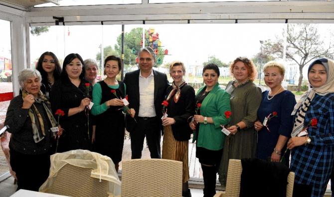 Başkan Uysal'dan kadınlara çağrı