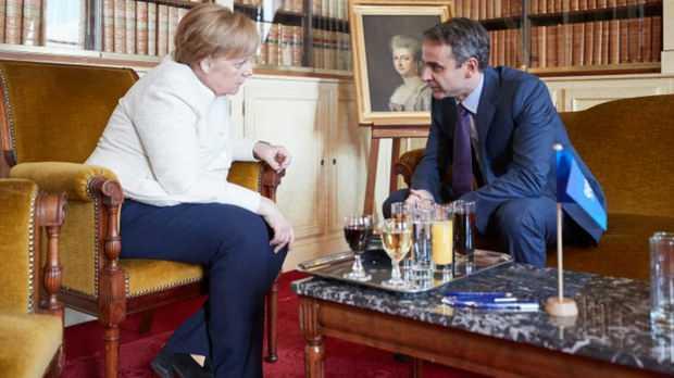 Türkiye'nin kararının ardından Yunanistan Başbakanı Miçotakis'ten Mülteci açıklaması