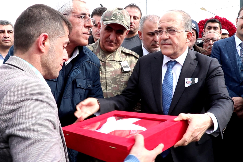 İdlib şehitleri sonsuzluğa uğurlandı