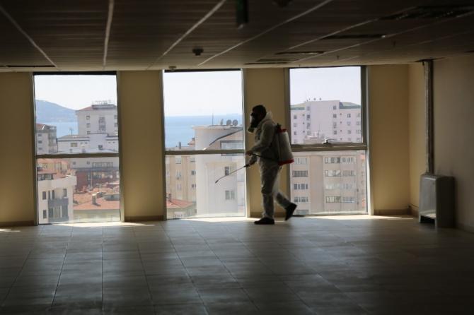 Maltepe'de devlet daireleri dezenfekte edildi
