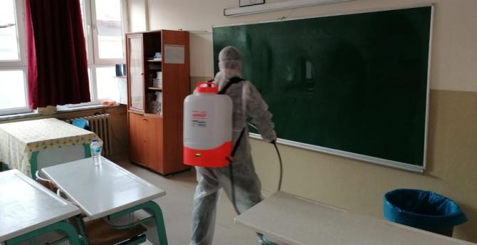 Okullar dezenfekte edildi