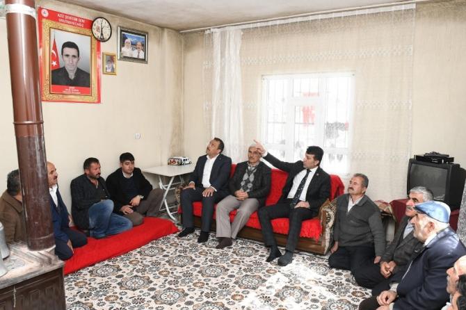 Başkan Şeylan'dan şehit aileleri ve yaralılara ziyaret