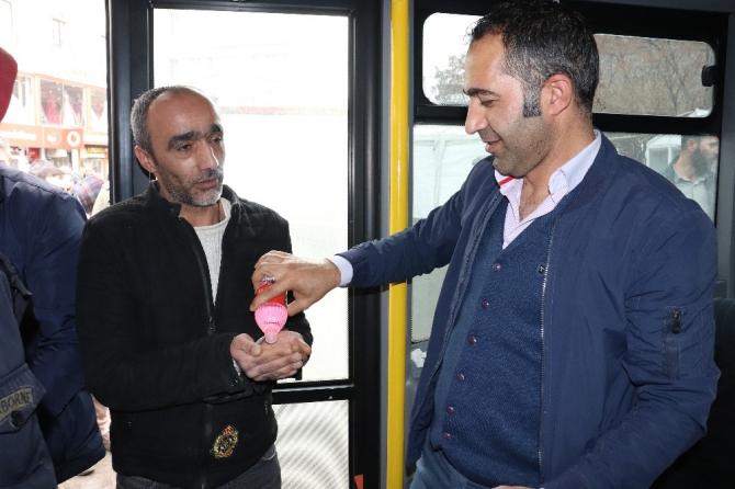 Ağrı'da halk otobüslerinde korona virüsü önlemleri