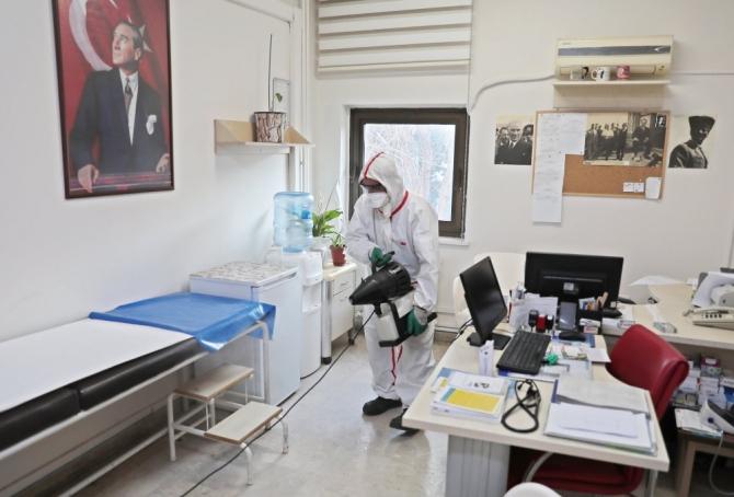 Akhisar Belediyesi, virüslere geçit vermiyor