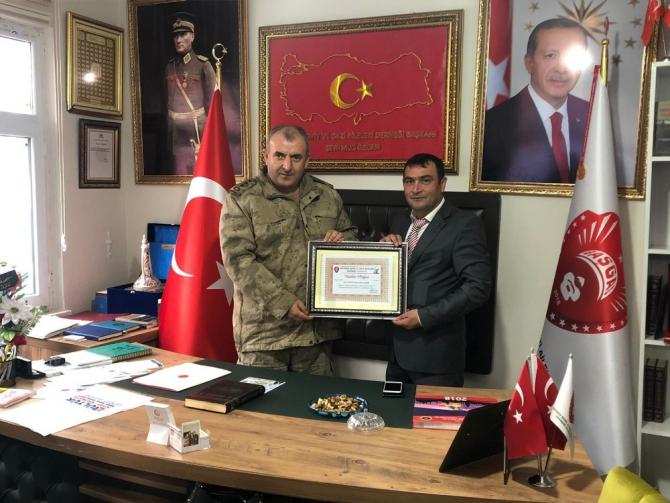 Albay Çakmak'tan şehit yakınlarına ziyaret