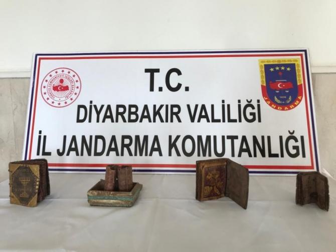Diyarbakır'da tarihi eser kaçakçılarına suçüstü