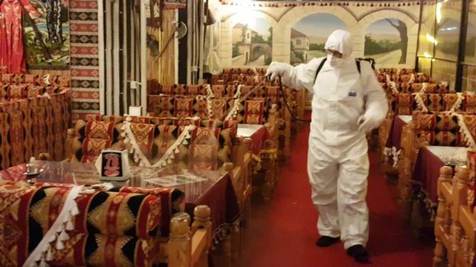 Ciğerci Aziz koronavirüse karşı önlemini aldı