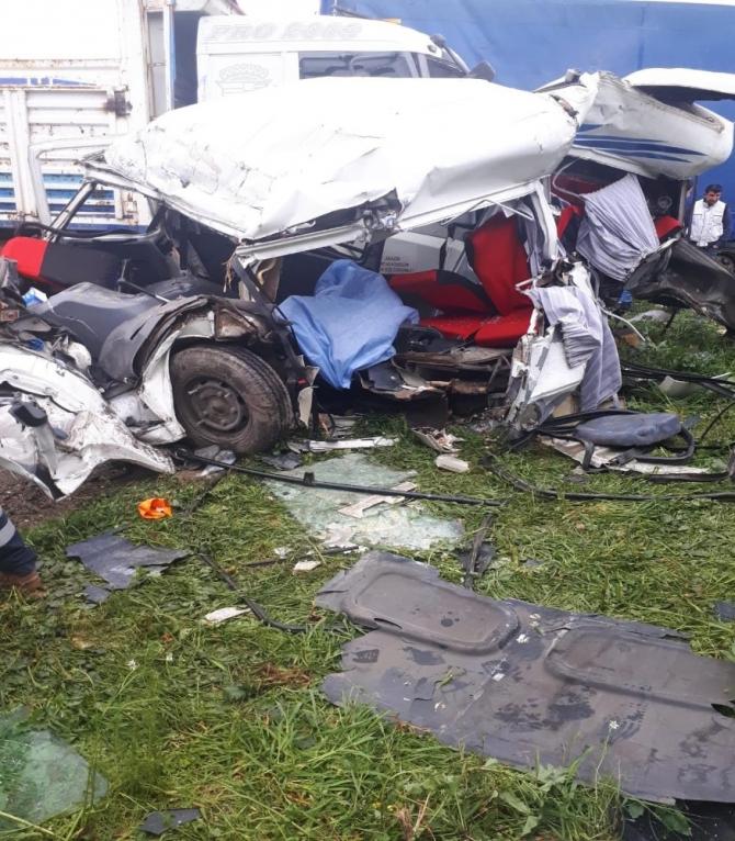 İzmir'deki korkunç kazada ölü sayısı 2'ye yükseldi