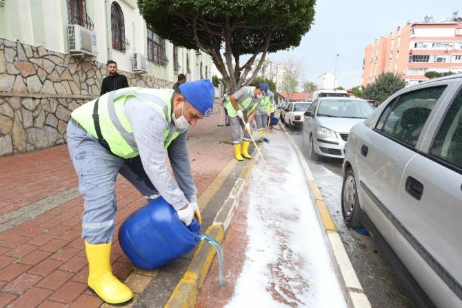 Kepez'in sokaklarında Korona virüs temizliği
