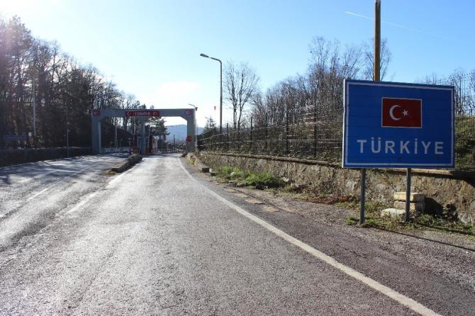 Dereköy Sınır Kapısı geçici olarak yolcu giriş-çıkışlarına kapatıldı