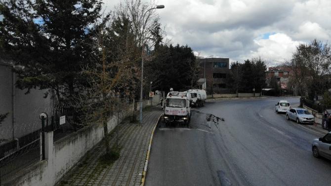 İstanbul'da cadde ve sokakların dezenfekte çalışması havadan görüntülendi