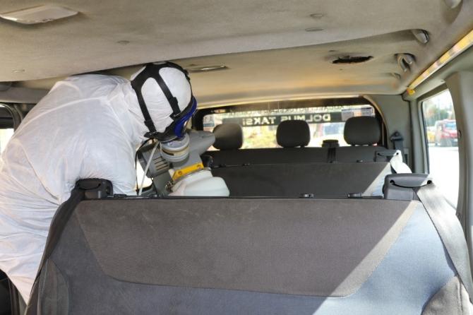 Ticari ve dolmuş taksiler dezenfekte ediliyor