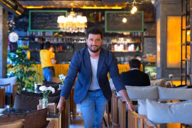 Ünlü mimar, sosyal medyadan 3 milyon euroluk iş aldı