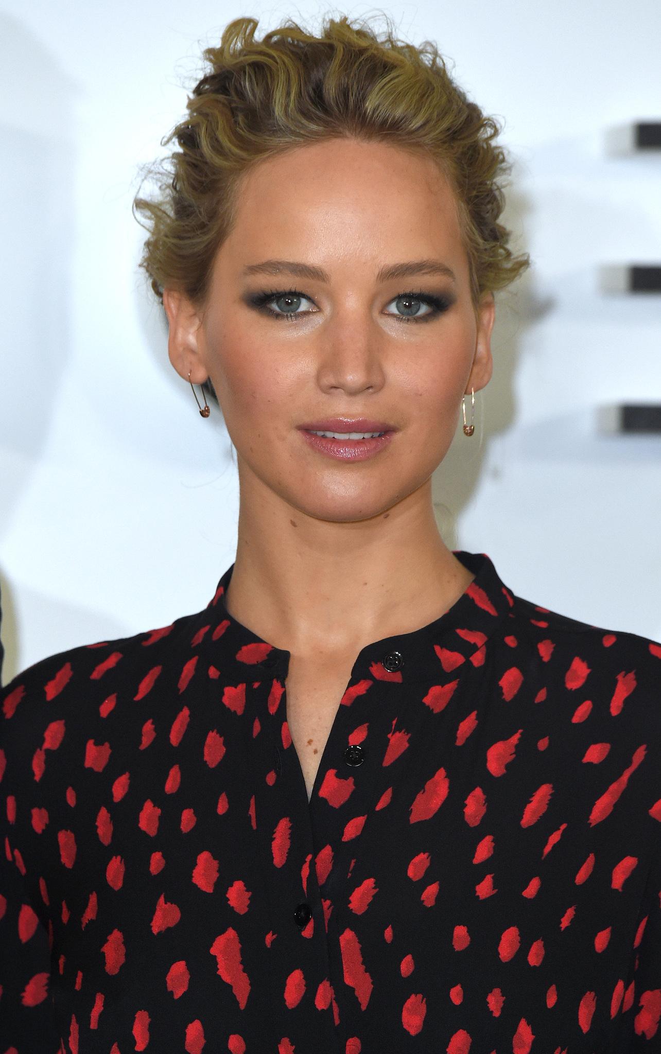 Jennifer Lawrence'ın evine gizlice girmiş!