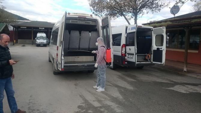 Osmaneli'ndeki toplu taşıma araçlarında ilaçlama ve dezenfeksiyon çalışmaları