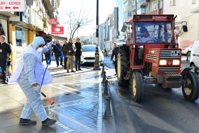 Koronaya karşı şehir karış karış ilaçlanıyor