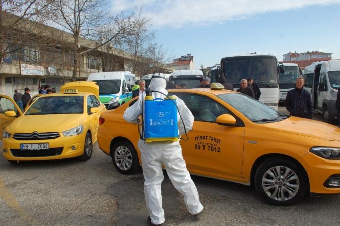 Tekirdağ'da taksi ve minibüsler ilaçlanıyor