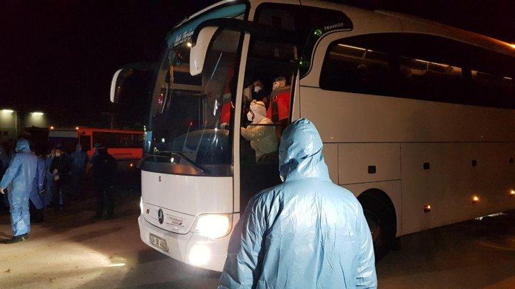 GÜNCELLEME - Yurt dışından gelen yolcular Kocaeli'de öğrenci yurtlarına yerleştirildi