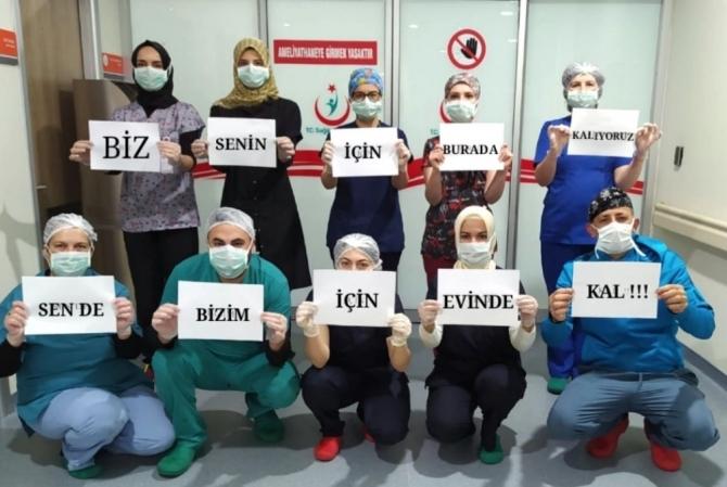Bursalı sağlıkçılardan vatandaşlara 'Evde kal' mesajı