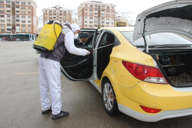 Erzurum'da ticari taksiler dezenfekte edildi