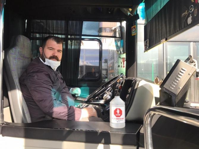 İstanbul'da özel halk otobüslerine dezenfektan kutuları kondu