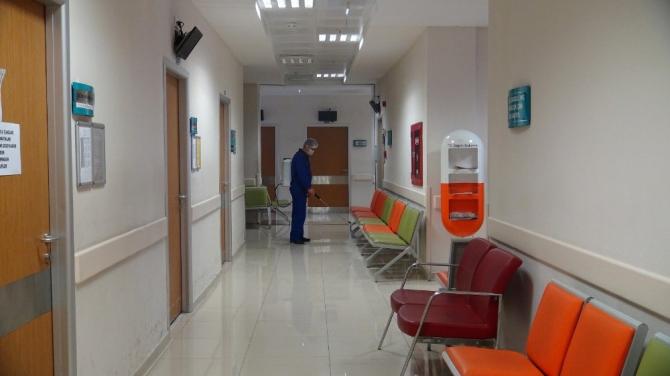 Ermenek Devlet Hastanesi korona virüsüne karşı dezenfekte edildi