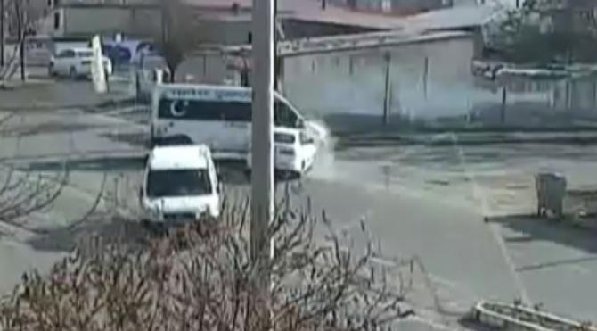 Ağrı, Kars ve Iğdır'da meydana gelen trafik kazaları kameralara yansıdı