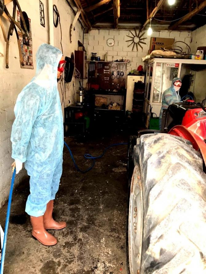 Sarıgöllü esnaftan dezenfekte çalışması