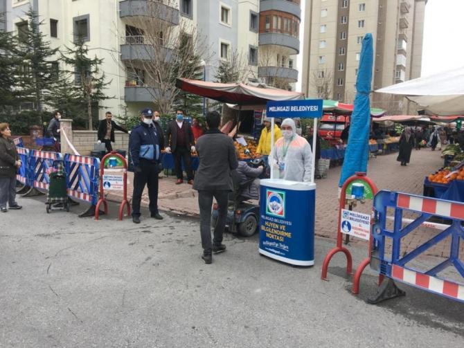 Kayseri'de semt pazarlarında korona virüs önlemleri alındı