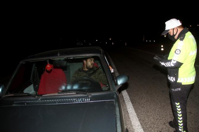 Polis ve jandarma ekipleri uygulama noktaları kurdu; Muğla'ya giriş yasaklandı