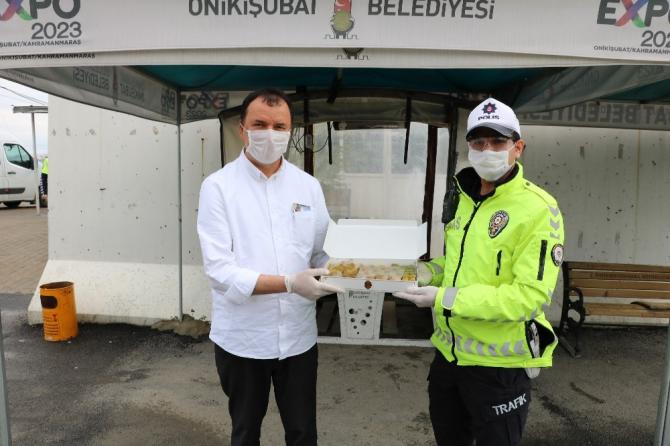 MADO'dan polislere tatlı ikramı