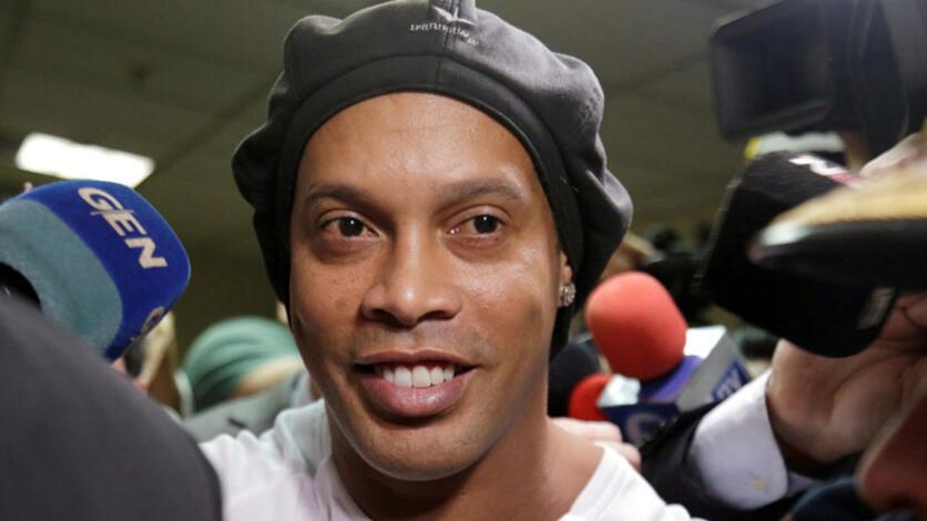 Efsane futbolcu Ronaldinho cezaevinden barbekü partisiyle çıktı!