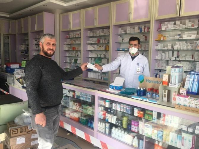 Besni'de eczaneler ücretsiz maske dağıtımı yapacak