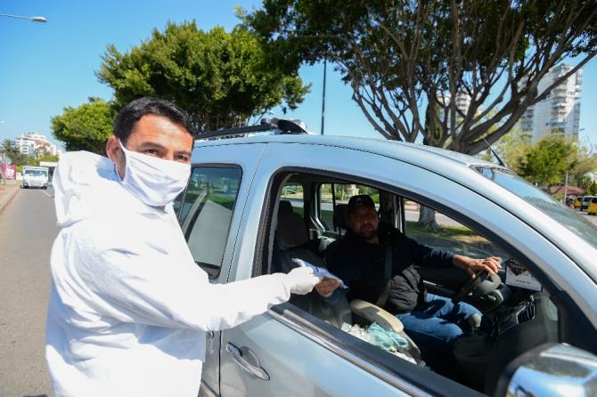 Muratpaşa evde kaldı maskeler belediyeden geldi