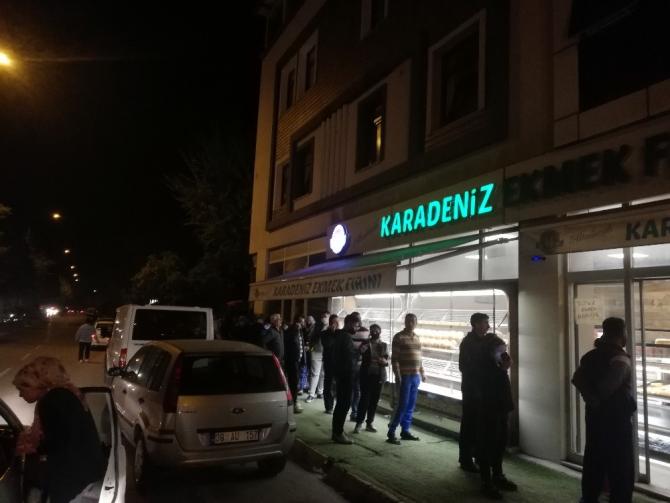 Aydın'da vatandaşlar fırın ve marketlere akın etti